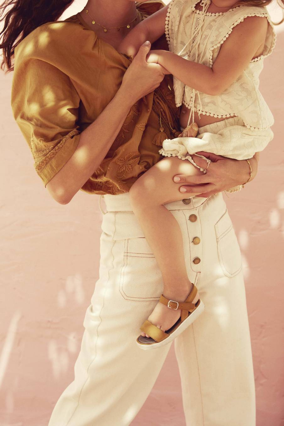 Top Jelly Cream Baroque Lace