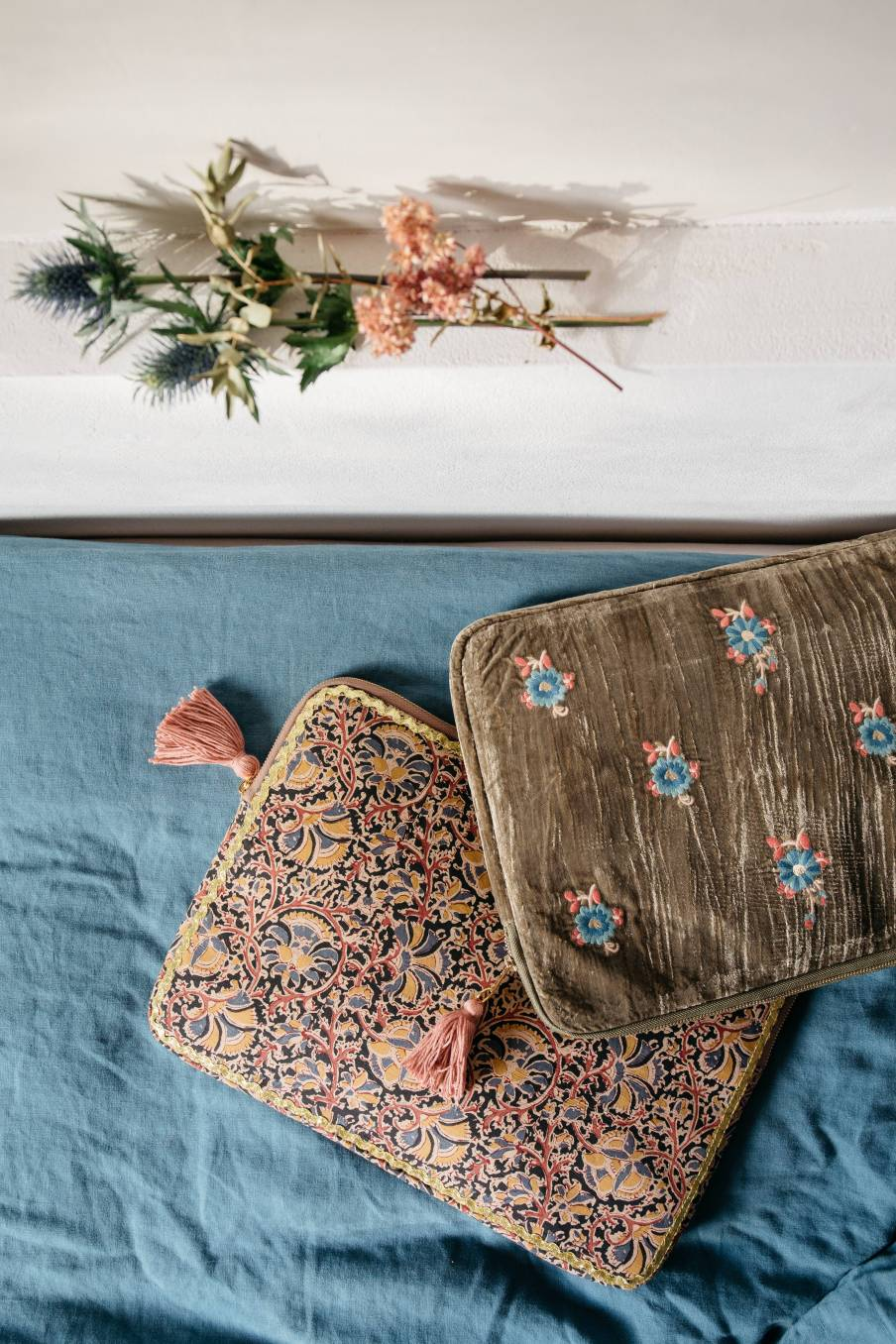 boheme chic vintage housse d'ordinateur femme hoa olive velvet