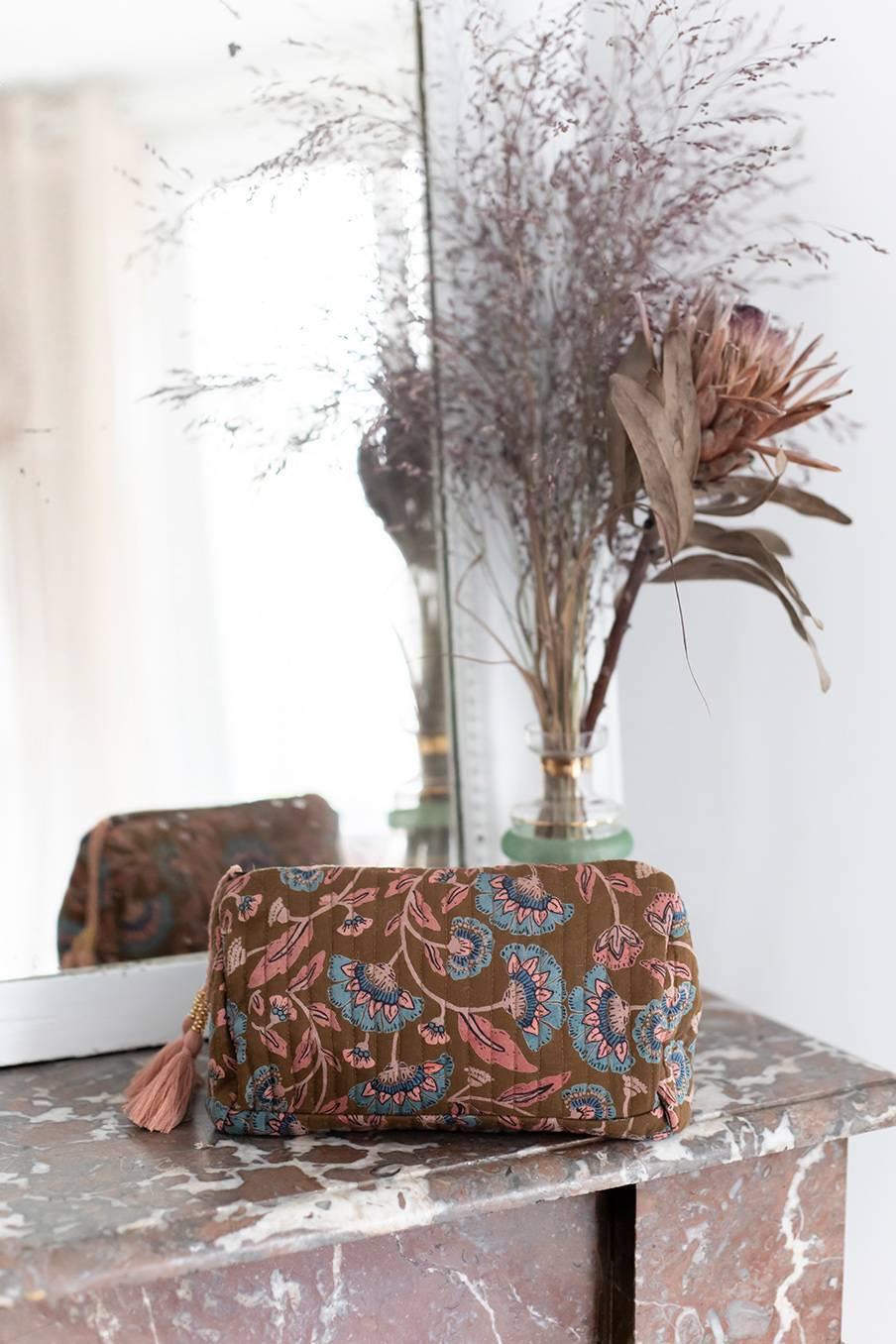 boheme chic vintage pochette de voyage femme amila bronze folk flowers