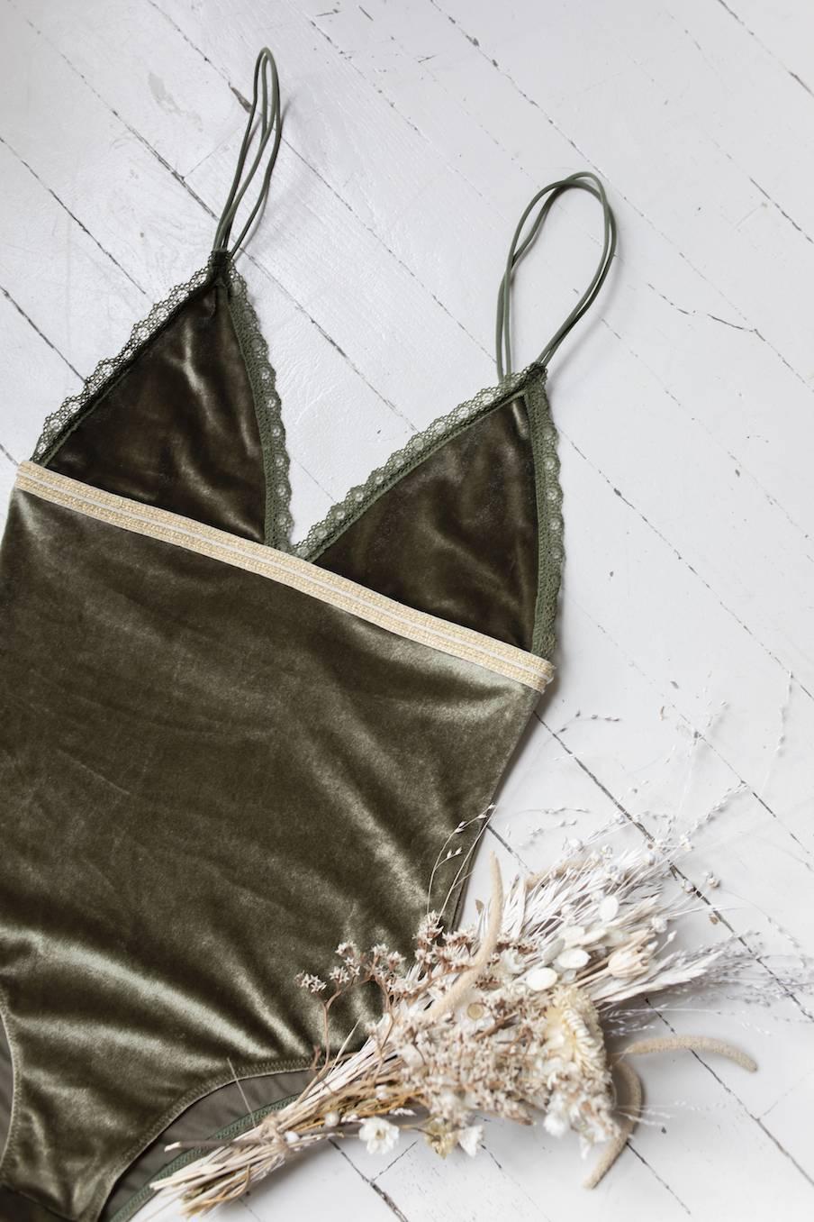 boheme chic vintage body femme naelle  olive velvet