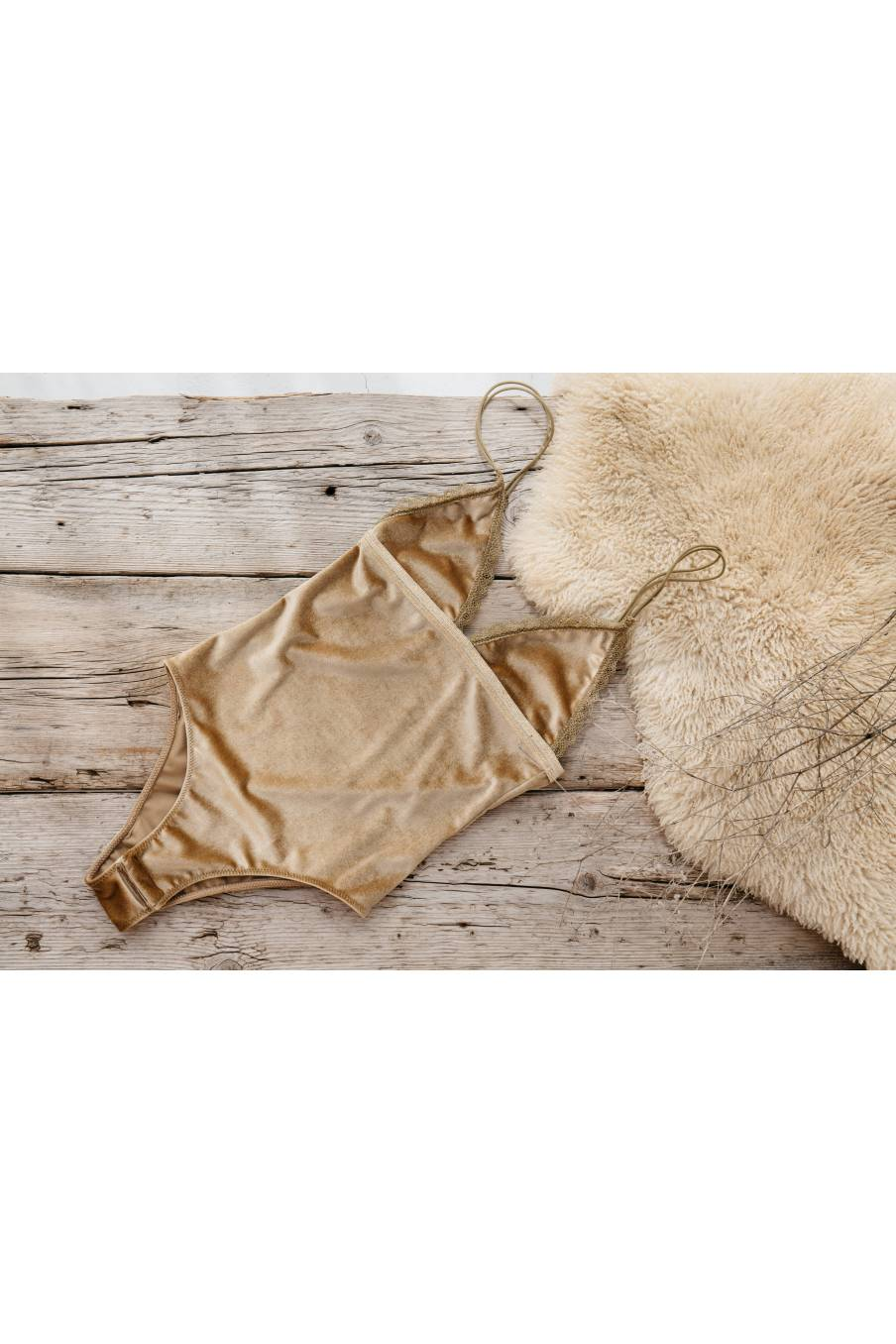 boheme chic vintage body femme naelle  honey velvet