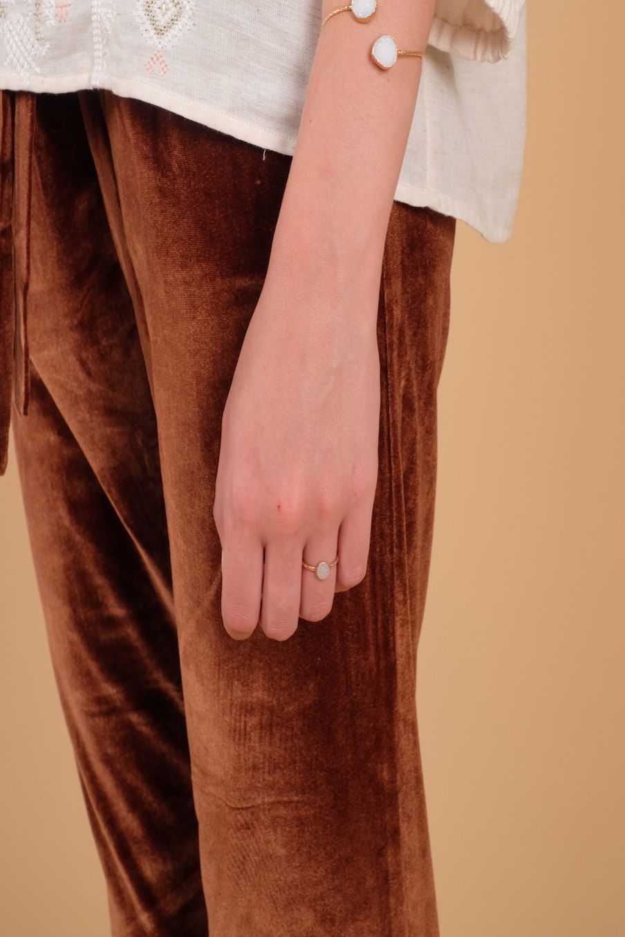 bohemian chic vintage ring woman sofia ice