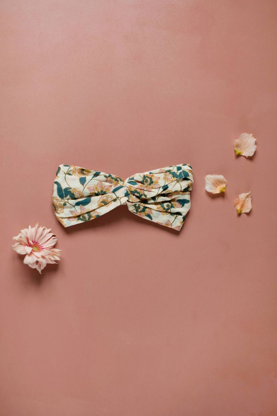 boheme chic vintage bandeau femme yuriria cream flowers