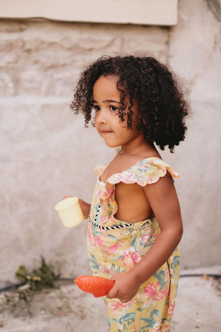 boheme chic vintage salopette bébé fille talia soft honey parrots