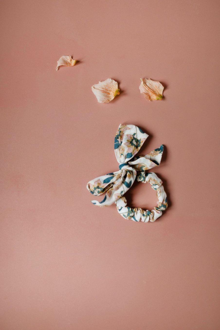 boheme chic vintage chouchou femme kim cream flowers