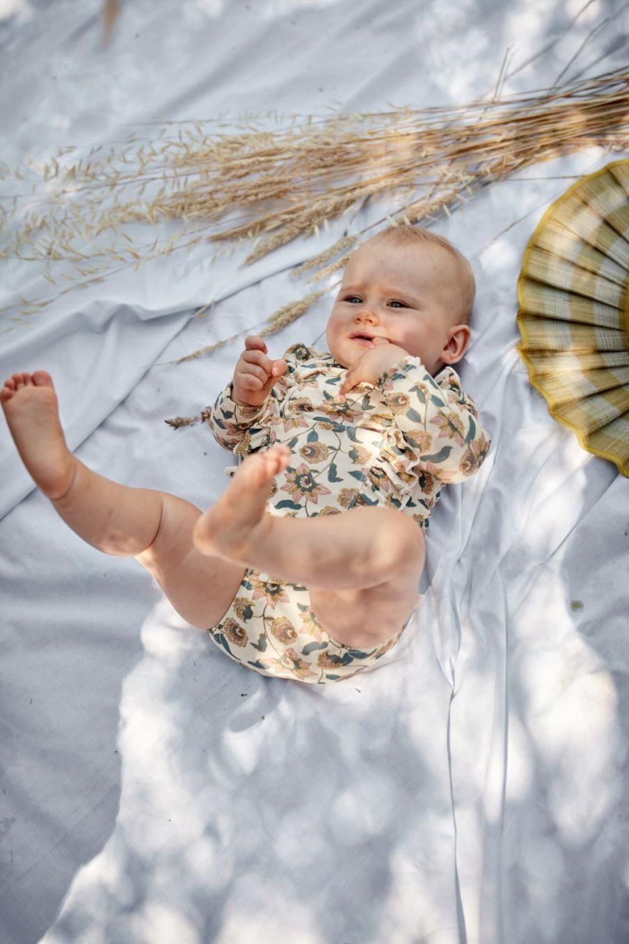 boheme chic vintage set de protection uv bébé fille toluca cream flowers
