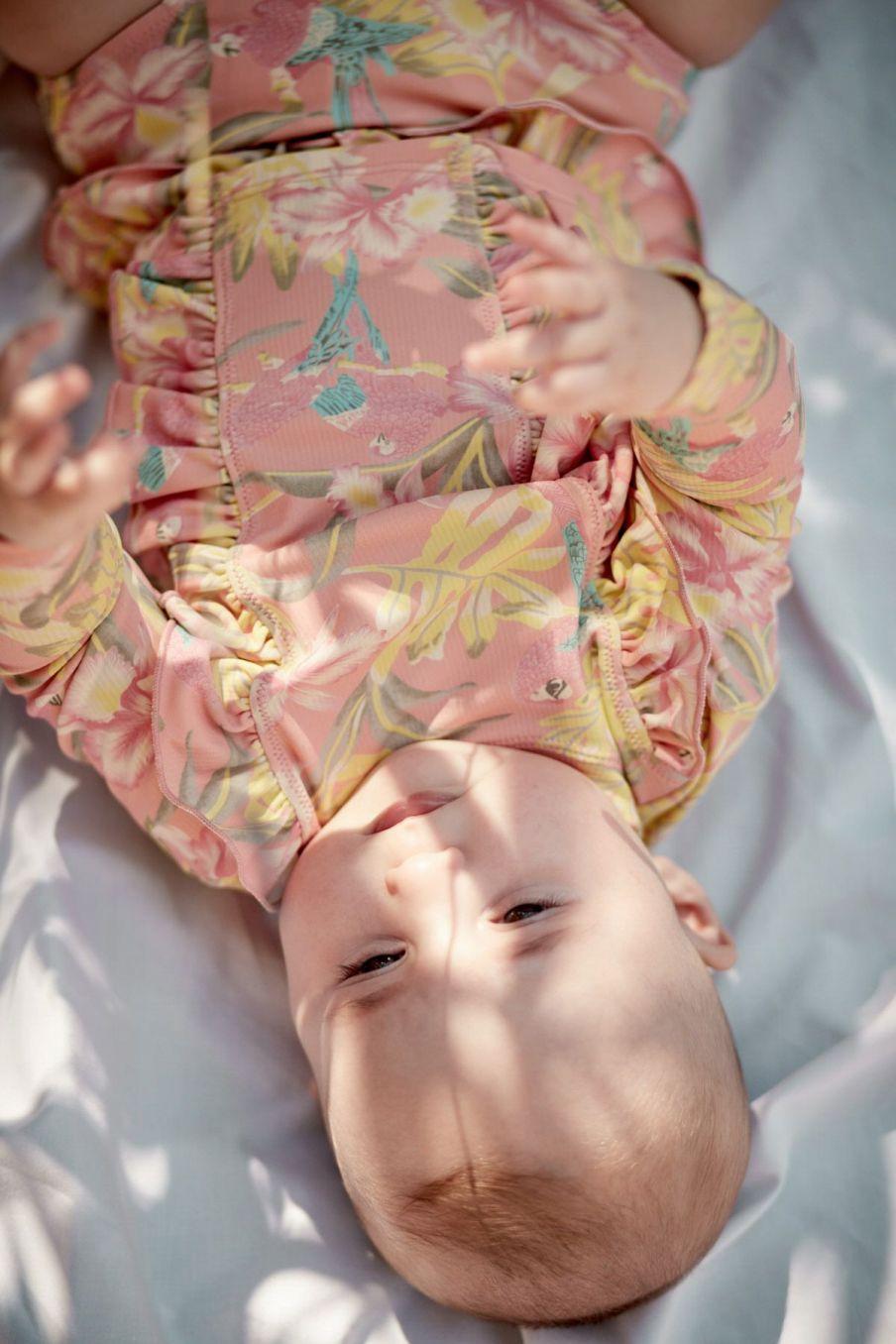 boheme chic vintage set de protection uv bébé fille toluca sienna parrots