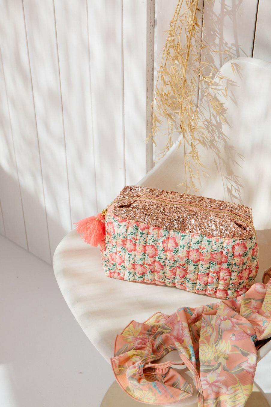 boheme chic vintage trousse maison teiki pink meadow