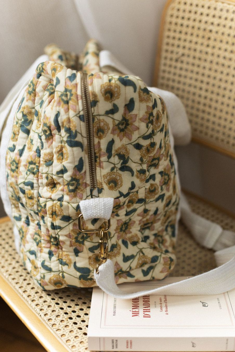 boheme chic vintage sac 48heures maison lilio cream flowers