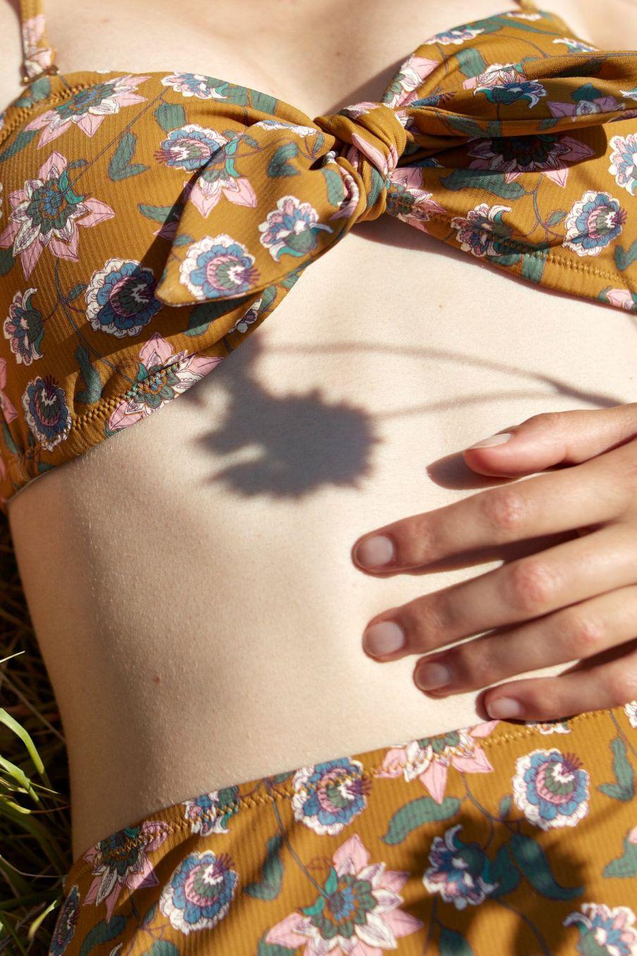 boheme chic vintage haut de maillot femme walnut cinnamon flowers