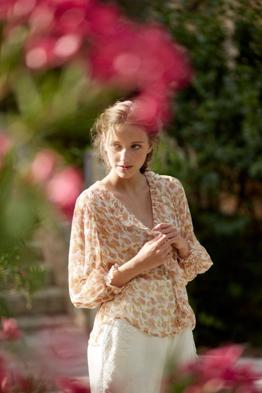 boheme chic vintage blouse femme lorine blush flowers lurex