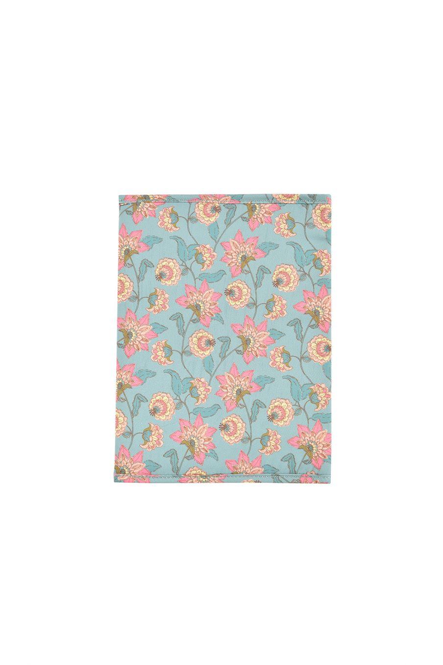 boheme chic vintage protège carnet de santé bébé fille nutmea turquoise flowers