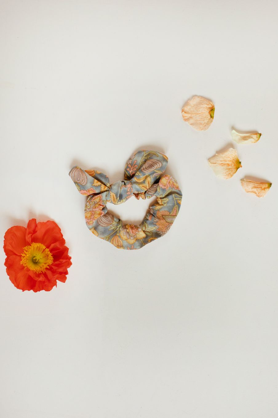 boheme chic vintage chouchou femme kimmi grey california flowers