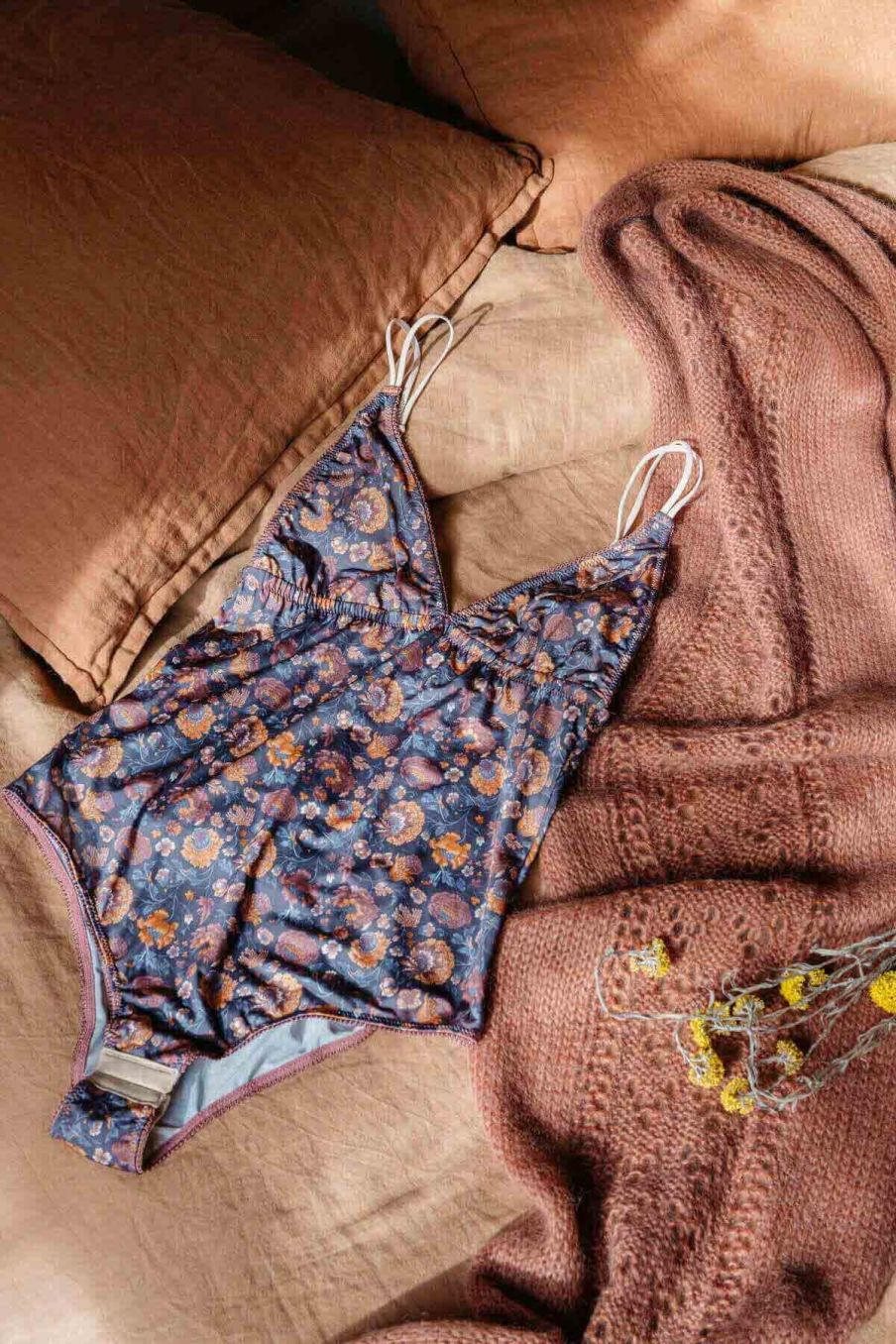 body femme lylia charcoal bohemian flowers - louise misha