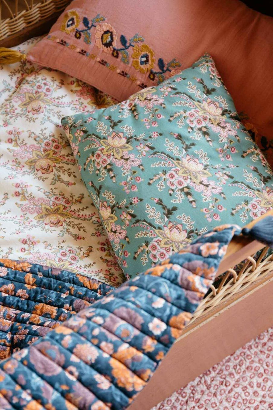 taie d'oreiller maison valerie blue french flowers - louise misha