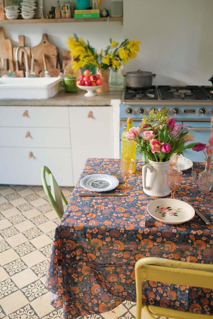 nappe maison carla charcoal bohemian flowers - louise misha