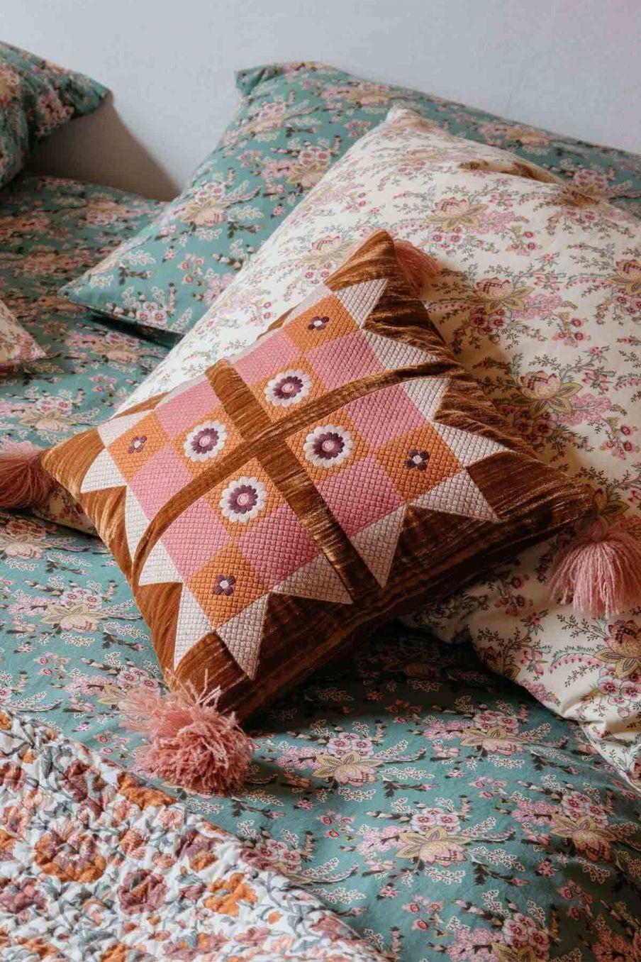 coussin maison greta caramel - louise misha