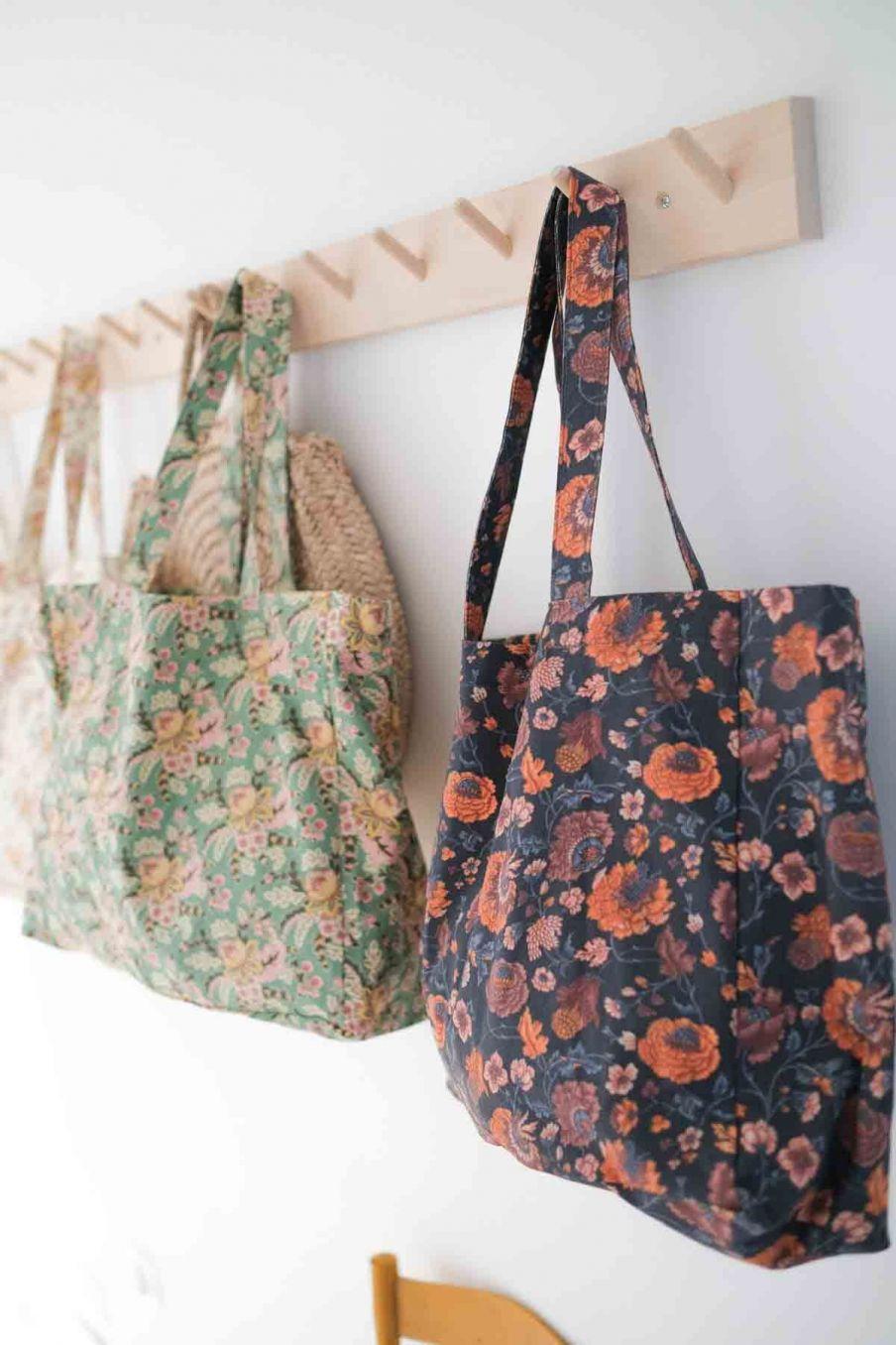 tote bag maison beverly charcoal bohemian flowers - louise misha